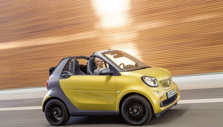 Smart Fortwo Cabrio For A Duo And Almost Nothing Else Catocarguy Com